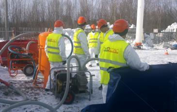 Спасатели Архангельского центра «ЭКОСПАС» за работой