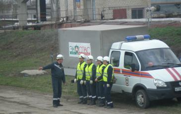 Командир АСО Самарского центра «ЭКОСПАС» Гиматов Т.Ф. осуществляет постановку задачи оперативной группе