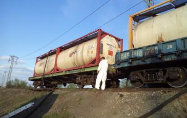 ПАФС Самарского центра «ЭКОСПАС» ликвидириует утечку нефтепродукта