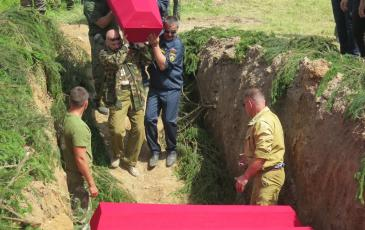 Торжественно-траурная церемония захоронения останков погибших воинов
