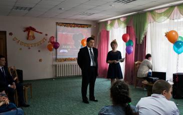 Директор Брянского центра «ЭКОСПАС» Валерий Ким поздравил присутствующих с началом учебного года