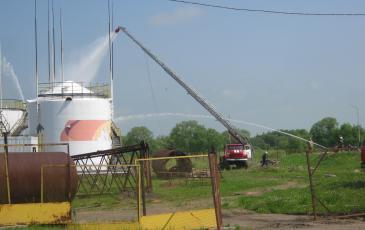Тушение пожара на опасном производственном объекте ООО «РН-Востокнефтепродукт»