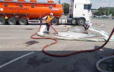 Ликвидация разлива нефтепродукта на объекте АО «Газпромнефть-Северо-Запад»