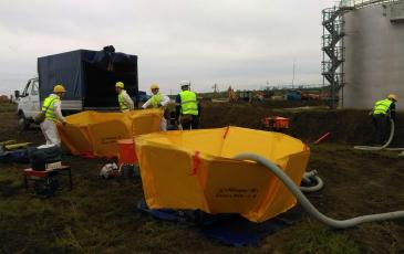 Разгрузка оборудования и его подготовка к сбору нефтепродуктов