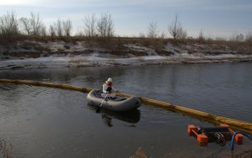 Сбор нефтепродуктов с водной поверхности