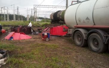 Перекачка нефтесодержащей жидкости в автоцистерну-шламовоз