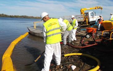 Очистка береговой полосы на объекте ООО «ТК «Транс-Ойл»