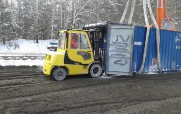 Выгрузка поддонов с АХОВ из контейнера