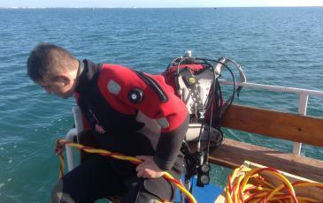Обеспечение работающего водолаза под водой