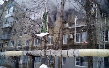 Разбор выгоревших квартир после тушения пожара