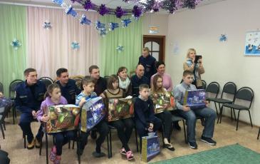 Поздравление детей приюта с наступающим Новым годом