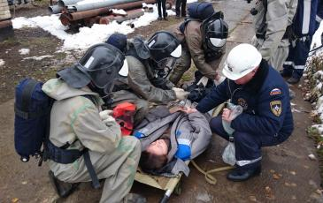 Оказание первой помощи пострадавшей спасателями ЦАСО «ЭКОСПАС» (ООО «ТСК Новая Москва», 9 ноября 2016 года)