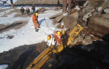 Сбор нефтесодержащей жидкости из канализационного коллектора