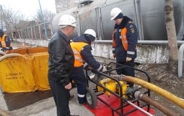 начальник топливной базы станции Новороссийск — Исхаков Р.Я. — интересуется производительностью насоса