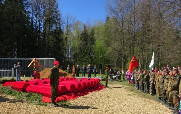 Траурная церемония в деревне Васильевское Тёмкинского района