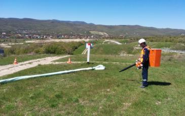 Распыление сорбента на предполагаемое место разлива нефти