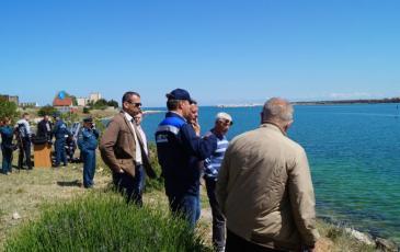 Директор Крымского центра «ЭКОСПАС» беседует с представителями ОПО