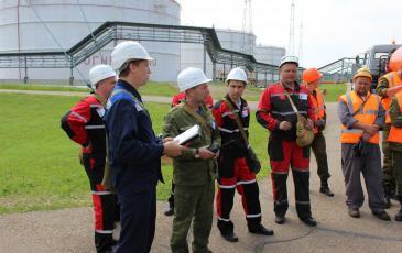 Доклад командира ПАСФ руководителю учений о завершении работ по ЛРН