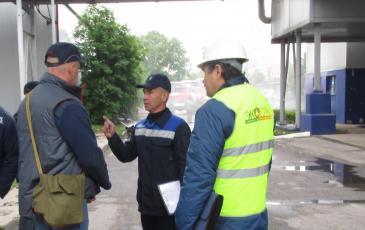 Обсуждение действий персонала завода с руководителем ТСУ