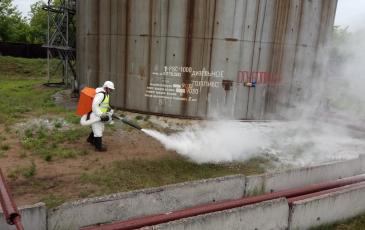 Обработка сорбентом загрязненной территории