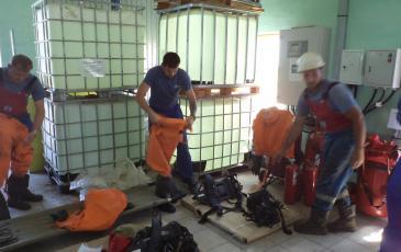 Личный состав НАСФ экипируется под руководством спасателей Самарского центра «ЭКОСПАС»