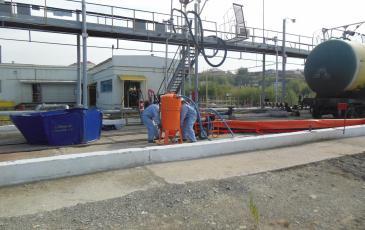 Подключение системы минивак для дальнейшего сбора нефтепродукта