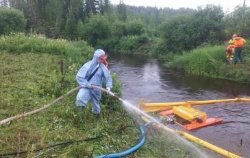 Выполняется промывка загрязнённого грунта