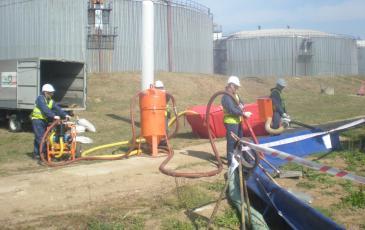 Локализация разлива нефтепродуктов