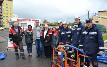 Построение личного состава Калининградского центра ПАСФ «ЭКОСПАС» и сотрудников АЗС