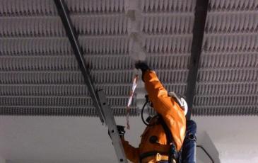 Установка герметизирующего бандажа на условное место утечки жидкой фазы аммиака
