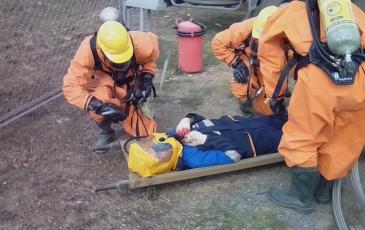 Обнаружение пострадавшего в загазованной зоне и включение его в СИЗОД