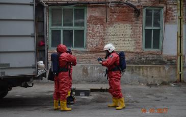Прибытие к месту проведения учений. Подготовка газоспасательного звена к работе