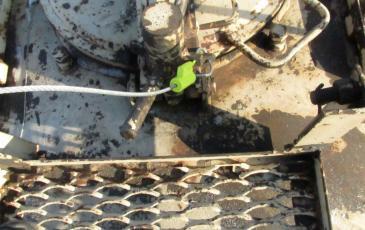 Закрытие крышки верхнего люка и наложение пломбы