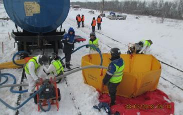 Запуск силовых агрегатов нефтесборщиков в Саратове