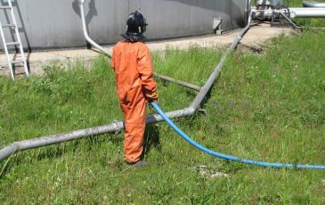 Сбор нефтепродукта с помощью ВАУ-6