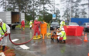 Локализация и ликвидация условного разлива нефтепродуктов