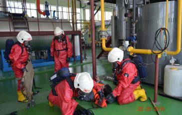 Подготовка газоспасательным звеном пострадавшего к эвакуации