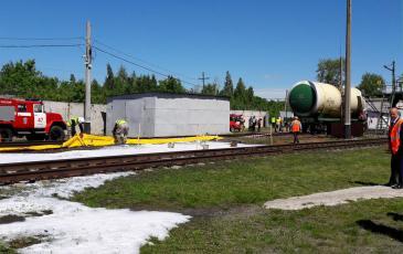 Работа спасателей по ликвидации аварии