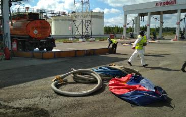Установка подпорной стенки для локализации разлива на участке АСН