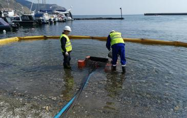 Сбор нефтепродукта с водной поверхности