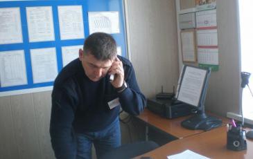 Оперативный дежурный Макаров А. В. принимает сигнал о ЧС