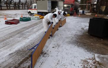 Спасатели «ЭКОСПАС» устанавливают подпорные стенки