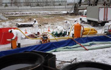 Подготовка оборудования для сбора нефтепродуктов