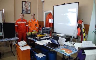 Демонстрация оборудование, находящееся на вооружении Приморского центра «ЭКОСПАС» на выставке систем предупреждения и ликвидации ЧС