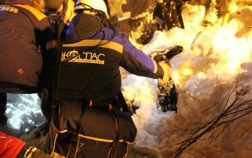 Спасатели «ЭКОСПАС» обнаружили пострадавшего от снежной лавины